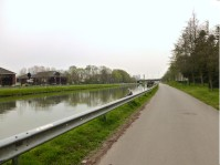 Le long du canal Charleroi Bruxelles